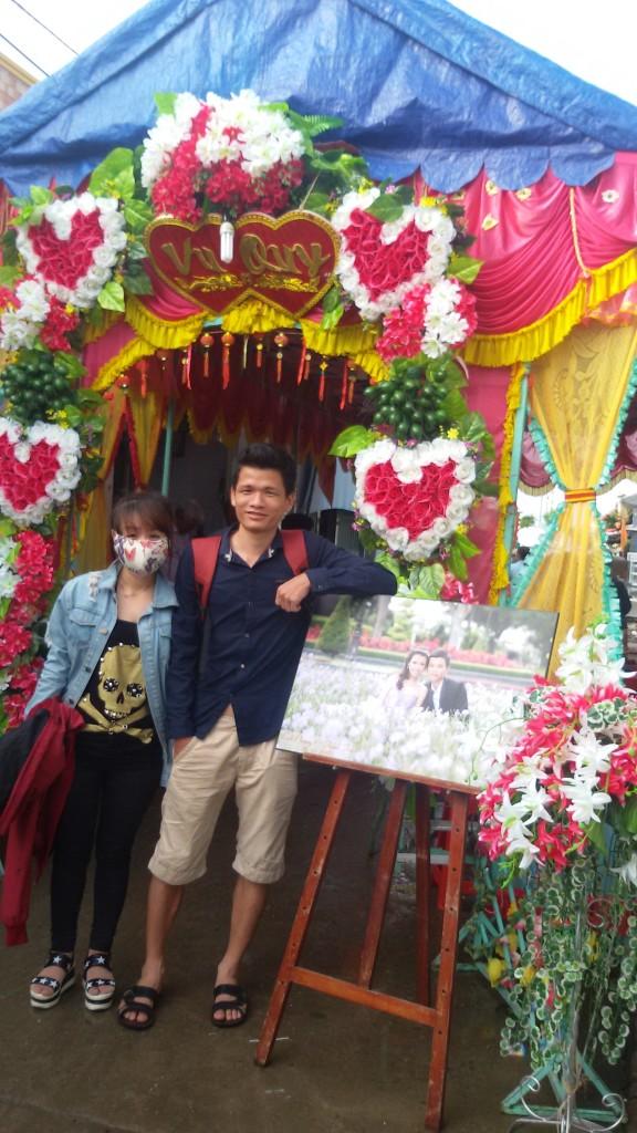 Vô tình gặp đám cưới trên đảo Thạch An team tính vào hát bài vợ người ta nhưng sợ không bảo toàn nên thôi :D